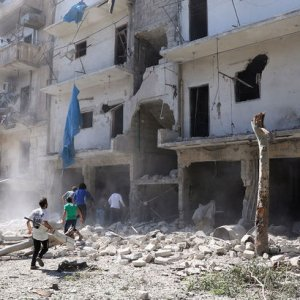 Rus jetleri Halep'i bombaladı !