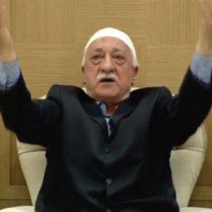Fetullah Gülen'in isminin önünde niçin 'M' yazıyor ?