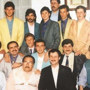 Adil Öksüz'ün futbolcularla fotoğrafı ortaya çıktı