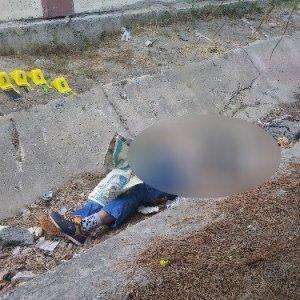 Parkta oynarken ceset buldular !