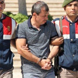 Tatil dönüşü FETÖ'den gözaltında