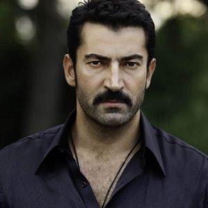 Kenan İmirzalıoğlu iki otelini kapattı
