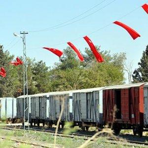 Sınırda Türk bayrağı şöleni !