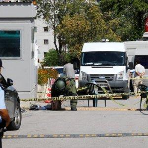 İsrail Büyükelçiliği'nde silah sesleri