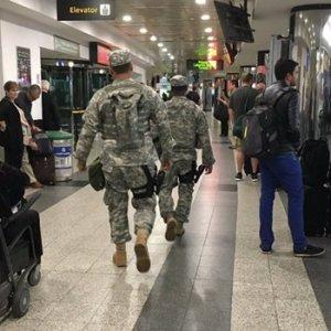 New York'taki havalimanında şüpheli araç alarmı