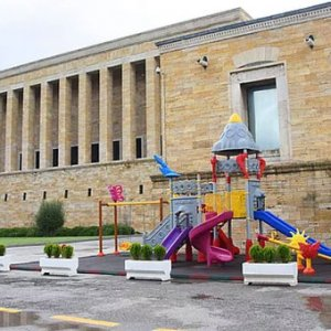 Anıtkabir'deki çocuk parkı tepki çekti