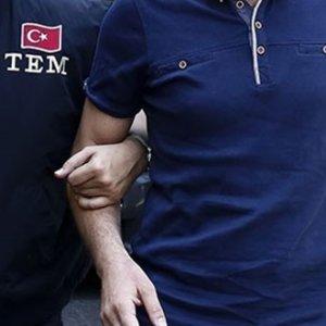 Sivas'ta operasyon: 20 öğretmen gözaltında !