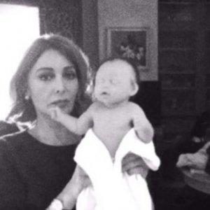 Kara Sevda dizisisinin setinde bebek skandalı
