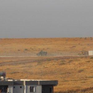 Sınırda hareketli saatler ! Zırhlılar Suriye'ye girdi