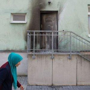Almanya'da camiye bombalı saldırı !