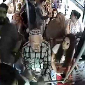 Halk otobüsünde dehşet anları