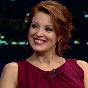Nagehan Alçı, Rasim Ozan Kütahyalı'ya niçin aşık olduğunu yazdı