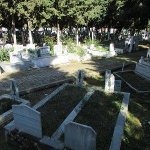 Mezarlıkta kıble tartışması