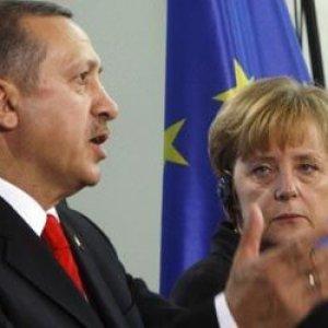 Cumhurbaşkanı Erdoğan ile Almanya Başbakan'ı Merkel'den sürpriz görüşme