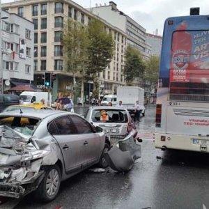 Halk otobüsü dehşet saçtı !