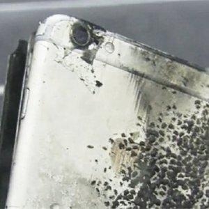 iPhone 6 Plus öğrencinin cebinde patladı