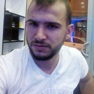 Hendeklere tepki gösteren vatandaşı PKK öldürdü