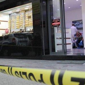 İzmir'de kuyumcu soygunu girişimi !