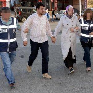 35 öğretmene FETÖ gözaltısı