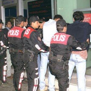 Bombalı eylem hazırlığındaki teröristler polisi alarma geçirdi