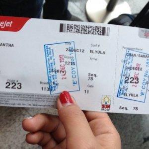 Uçak biletlerinizi hiç bir yerde yayınlamayın, yoksa...