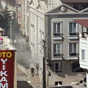 GAZİANTEP'TE HÜCRE EVİNE POLİS BASKININDA PATLAMA