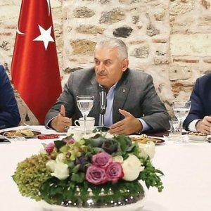 Başbakan açıkladı ! Dünya devleri Türkiye'ye geliyor