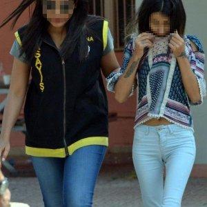 Üniversiteli kızlara fuhuş tuzağında tahliye kararı