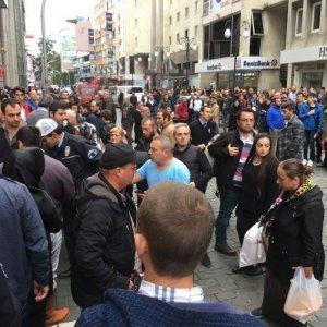 Trabzon'da epilasyon broşürü kavgası: 4 yaralı