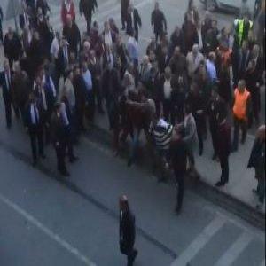 Sabiha Gökçen'de taksici terörü!
