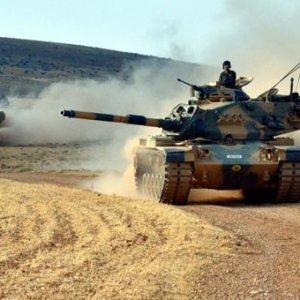 Türk tankları Suriye'ye girdi