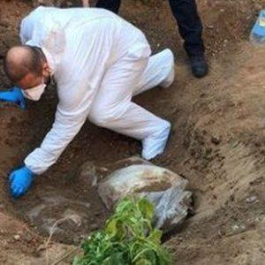 Eski askerlik şube binasından 2 erkek cesedi çıktı