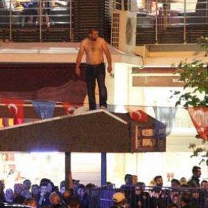 Erdoğan'ın ziyareti sırasında hareketli anlar