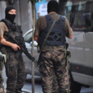 2 köy muhtarı tutuklandı