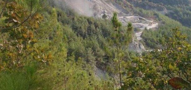 PKK'lı teröristler taş ocağına saldırdı !
