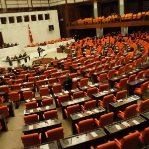 MHP'deki parti için muhalefet AK Parti'yi de endişelendirdi