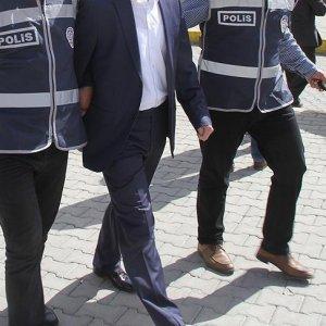 Üniversiteye FETÖ baskını: 35 gözaltı