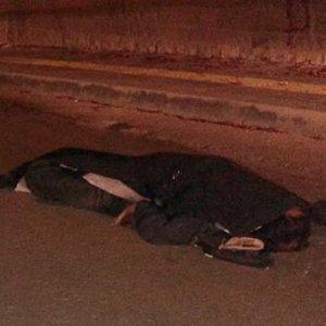 Karşıdan karşıya geçerken araba çarptı
