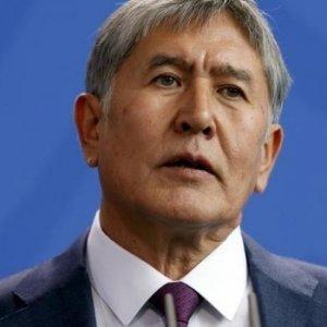 Kırgızistan'da sular durulmuyor ! Hükümet istifa etti
