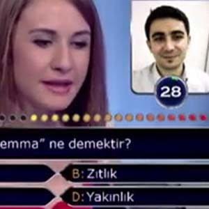 Sorunun cevabına internetten baktı !
