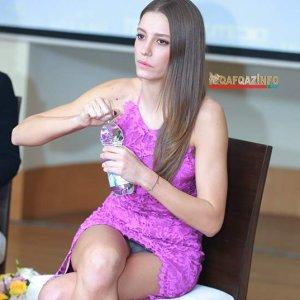 Serenay Sarıkaya'nın minisi başına bela oldu
