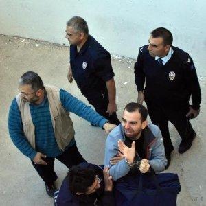 Ağlayan astsubay yeniden gözaltında