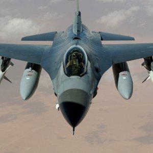 Suriye sınırında uçak krizi