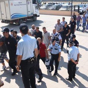 21 müftülük personeli gözaltında