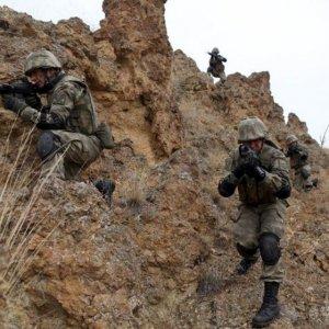 Ağrı ve Şırnak'ta 4 terörist öldürüldü