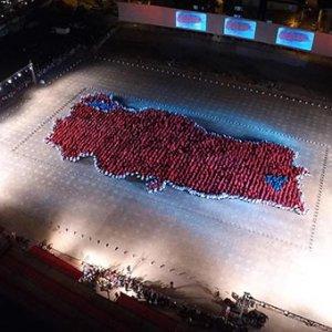 İzmir'de 2123 kişilik zeybek !