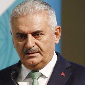 AK Parti'den Başkanlık için iki paket