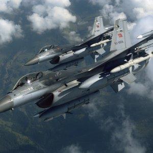 Irak'ın kuzeyine düzenlenen hava harekatında 10 terörist öldürüldü