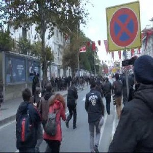 İSTANBUL'DA HDP EYLEMİNE POLİS MÜDAHALESİ