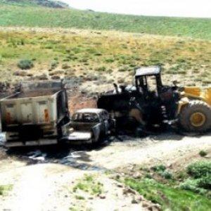 PKK'lılar yine iş başında ! İş makinesi yaktılar